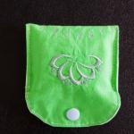 Tampontäschchen grün mit Lotusblume