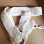 Babyhandschuhe und Schal